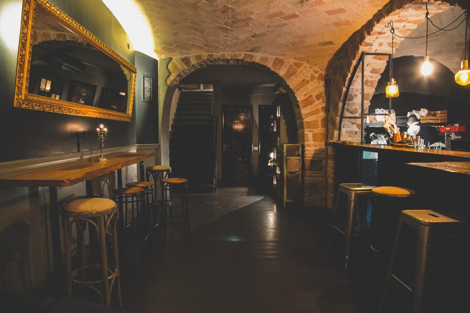 the-race-club-speakeasy-roma